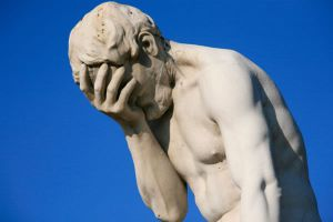 paris_tuileries_garden_facepalm_statue1_0
